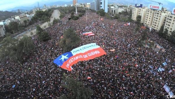 1 milion de chilieni în stradă la Santiago, împotriva represiunii