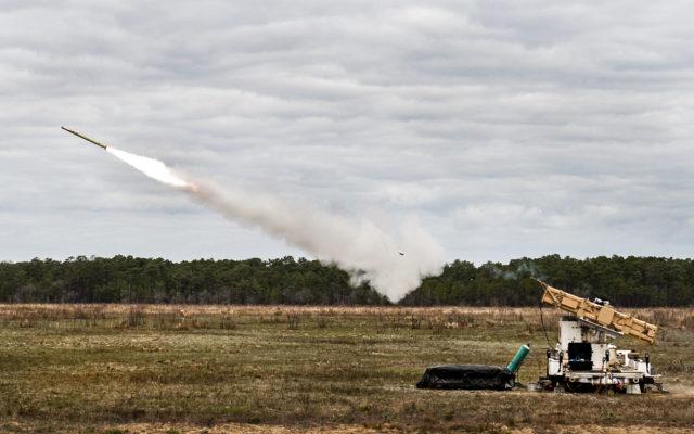 O racheta Stinger isi ia zborul sa prinda muste