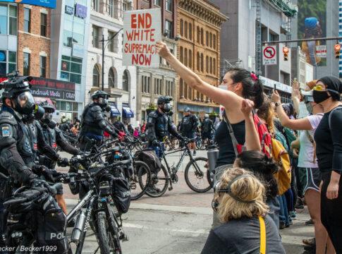 Moartea lui George Floyd a dus la proteste violente în toată America